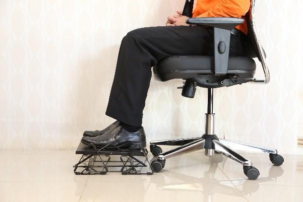 apoio para os pes digitador ergonomics